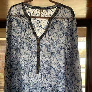 Grand & Greene Blue & Ivory lightweight blouse